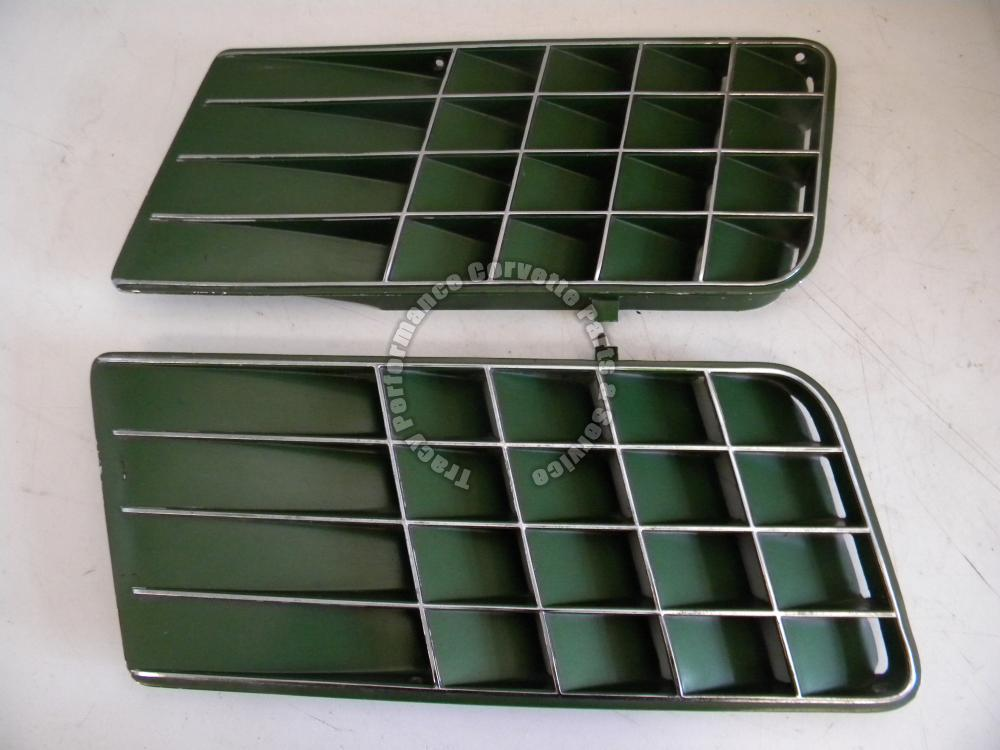 1971-1972 Corvette Original Green 3995017 3995018 Side Louvers/Pair, Nice Driver