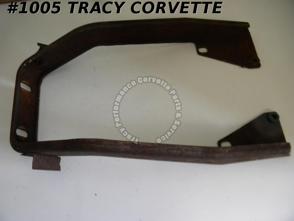 1968-1969 Corvette 3938080 Center Bumper Front Horseshoe Bracket