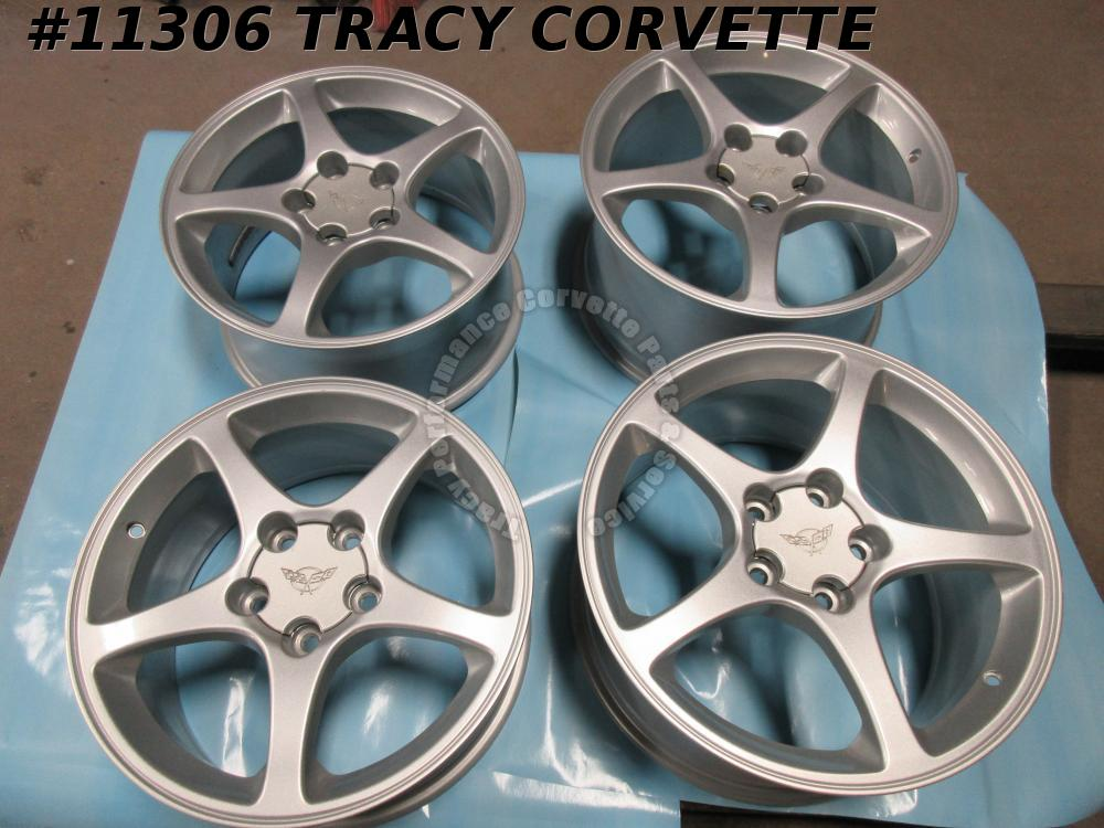 2000-04 Corvette 9594180 9594182 Spoke Wheels w/Centers 17X8.5&18x9.5