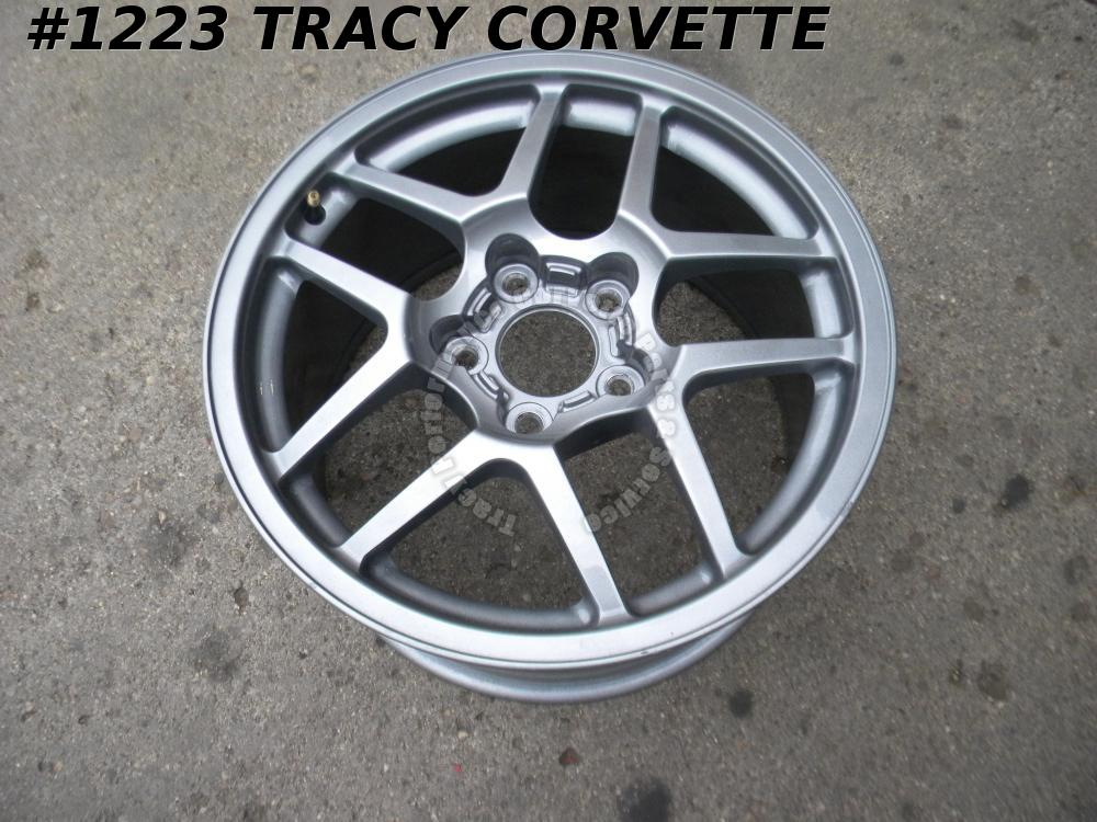 2001-2002 Corvette Used Original 9593803 17x9.5 Z06 GM Factory Front Wheel 01 02