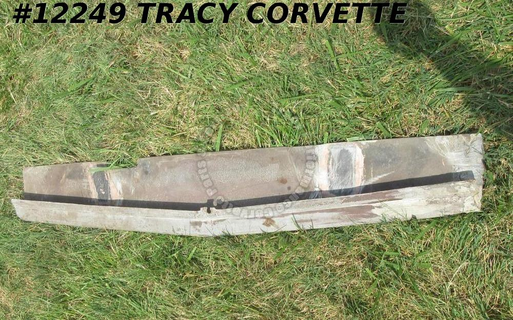 1966-67 Corvette Fiberglass 3892253 Lower Grille Valance Panel black Glass notch