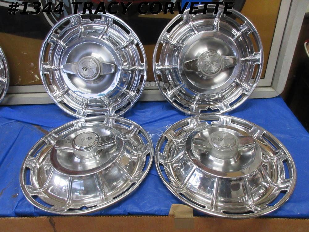 1959-1962 Corvette Hubcaps w/ Nice Spinners GM# 3725237 Driver Quality Set of 4