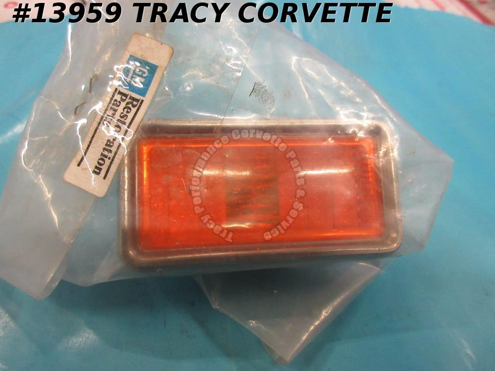 1969 Corvette Marker Light Front w/ Bezel GM# 911045 Guide 4 SAE PI 68