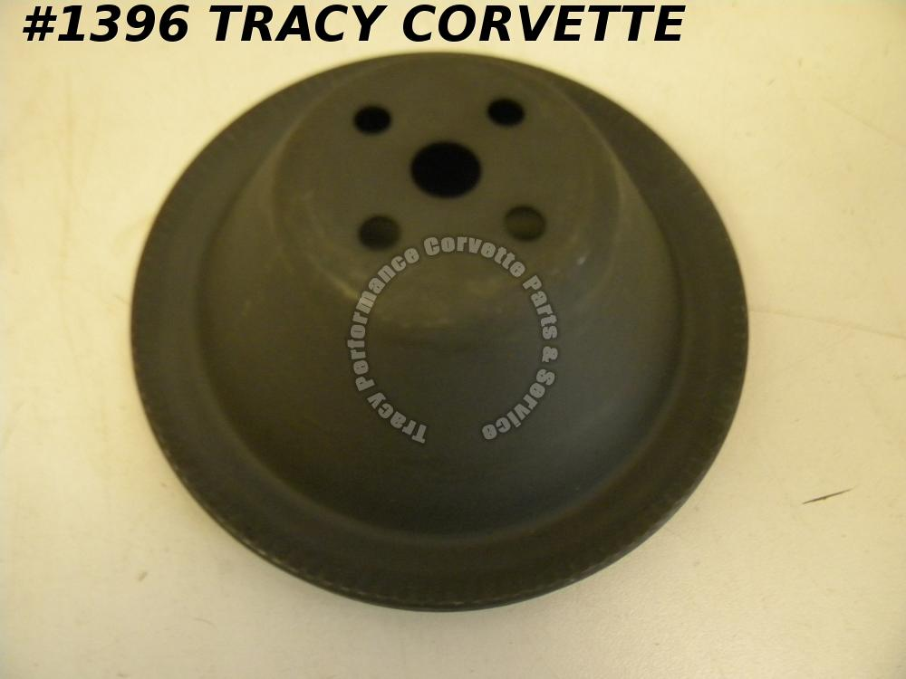 1955-1957 1966-1967 Corvette NOS 3905995 Fan/Water Pump Pulley 55 1956 57 66 67