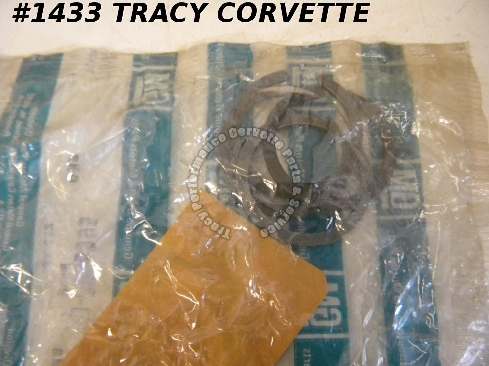 1963-1974 Corvette NOS 3998395 Muncie Rear Bearing/Main Shaft Lock Ring Kit w/4