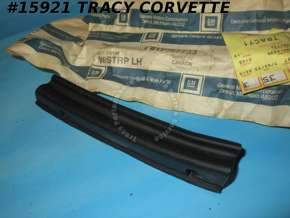 1986-1996 Corvette Convertible Top 17987733 17984443 Weatherstrip Upper Rear LH