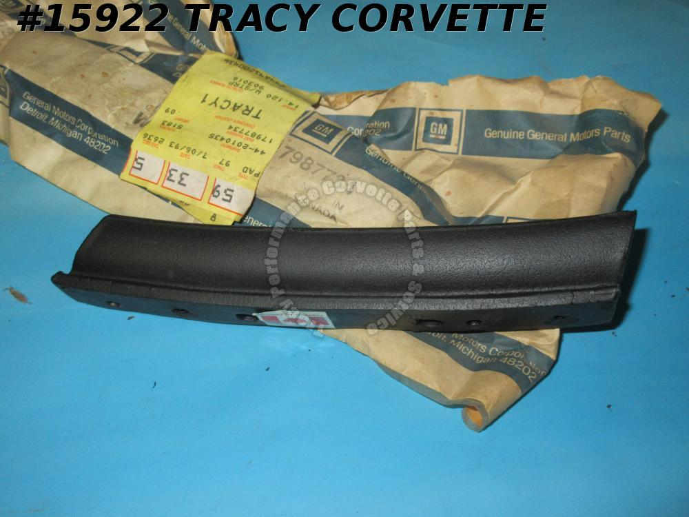 1986-1996 Corvette Convertible Top 17987734 17984444 Weatherstrip Upper Rear RH