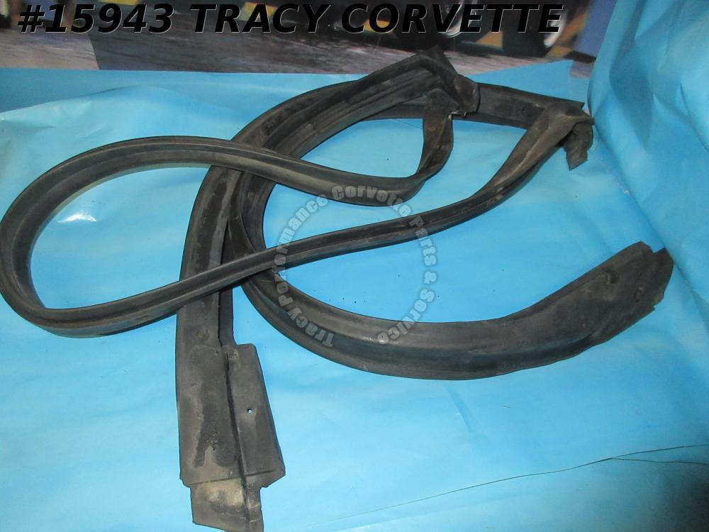 1984-1996 Corvette Weatherstrip 10268887 22112051 Windshield Header Pillar EPDMU