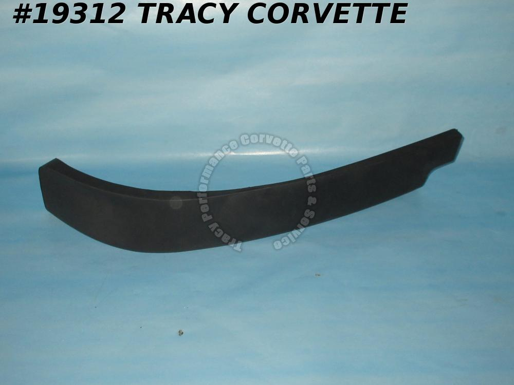 1997-2004 Corvette GM# 1419312 Outer Valence Air Dam Spoiler Left Front Bumper