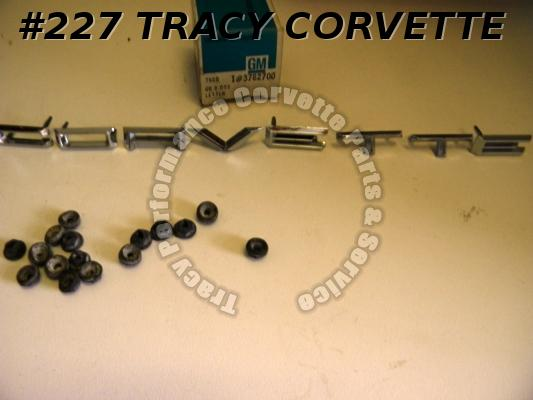 1961-1962 Corvette NOS 3782700 Fr Nose Emblem 8 Piece CORVETTE Letter Set w/Nuts