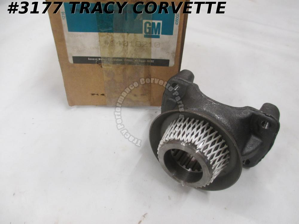 1980-81 Corvette NOS 14018210 Rr Spindle Flange Manual Trans and1982 Auto