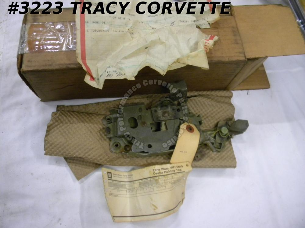 1968 Corvette Only NOS 9716351 LH Door Lock Latch Assembly New Old Stock 68 New